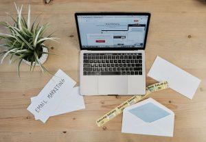 computador estratégia email marketing